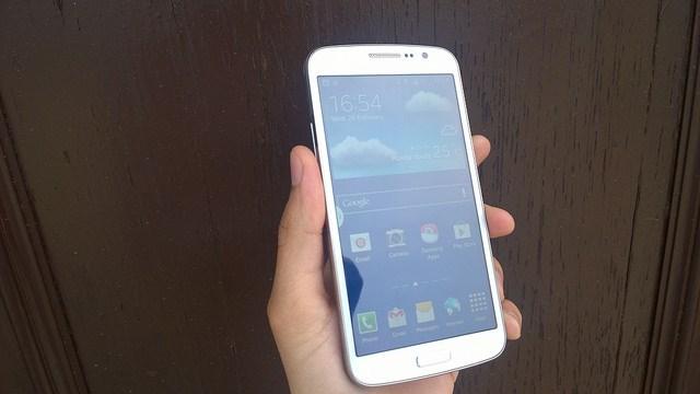 Best Smartphones Under 20000 Rupees - Samsung Galaxy Grand 2 real